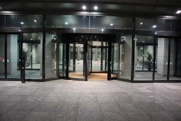 石川県庁入口
