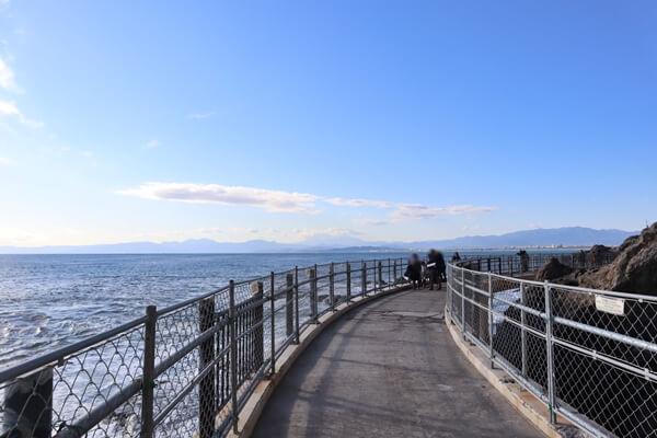 岩屋への道