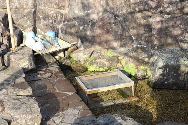 桜生水の水場